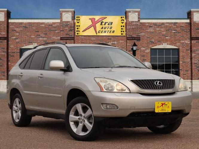 2006 Millennium Silver Metallic Lexus RX 330 Base (2T2GA31U56C) with an 3.3 6 Cylinder Fuel Injected engine, Automatic transmission, located at 1401 N. Hobart, Pampa, TX, 79065, (806) 665-9872, 35.549641, -100.971878 - Photo #0